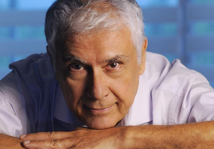 Paulo Figueiredo salary