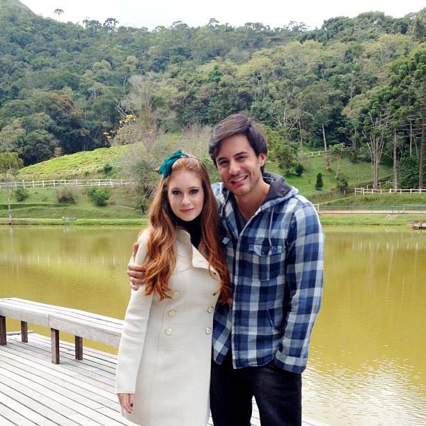Marina Ruy Barbosa e Ricardo Tozzi gravam em meio à natureza