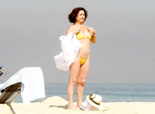 """Betty Faria sobre usar bíquini, aos 72 anos: Não vou  seguir as regras"""""""