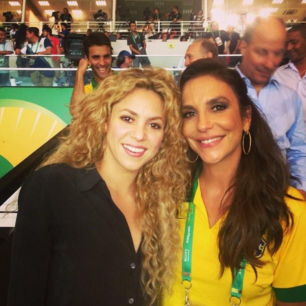 Shakira se encontra com Ivete Sangalo após derrota do marido no Maracanã