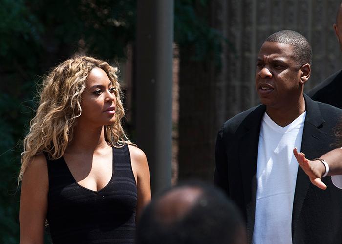 Beyoncé e Jay-Z participam de protesto na Flórida