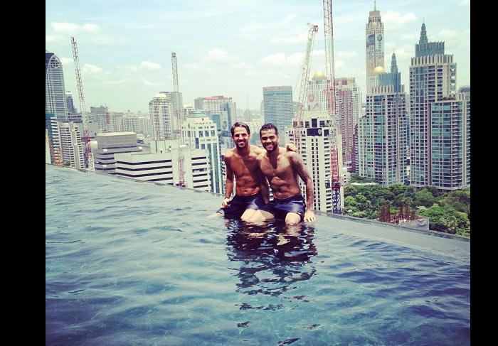 Daniel alves curte vista incr vel da piscina de hotel na tail ndia ofuxico - Hotel bangkok piscina ...