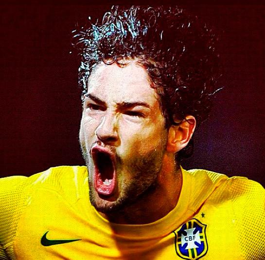 Em seu aniversário, Pato recebe a notícia de que vai voltar para a Seleção