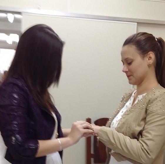 Casadas! Angélica Morango se casa no civil com comissária de bordo