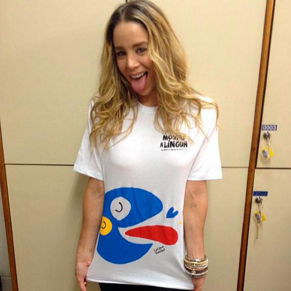 Danielle Winits participa de campanha do bem contra o câncer