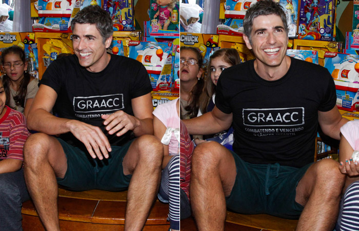 Reynaldo Gianecchini faz a festa das crianças no GRAAC
