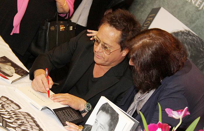 Leonardo lança seu livro, em São Paulo
