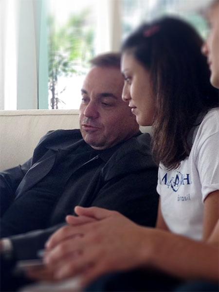 Sonho realizado: Fã viaja de Parintins para São Paulo para conhecer Gugu