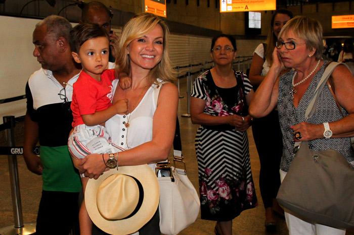 Eliana viaja para Salvador para trabalhar durante o Carnaval