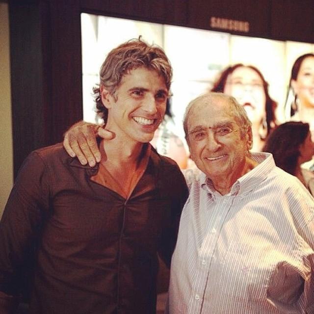 Reynaldo Gianecchini paparica Elias Gleizer em redes sociais