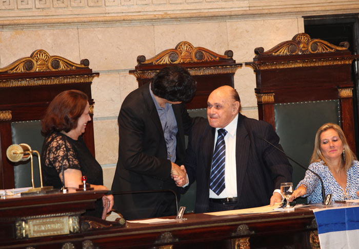 Mateus Solano recebe título de cidadão carioca
