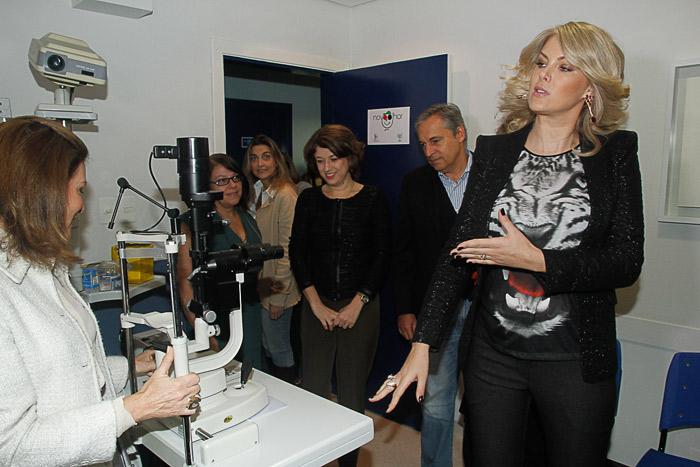 Ana Hickmann inaugura clínica de Olhos na APAE São Paulo