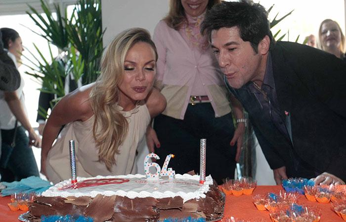 Eliana e Daniel comemoram o aniversário da AACD