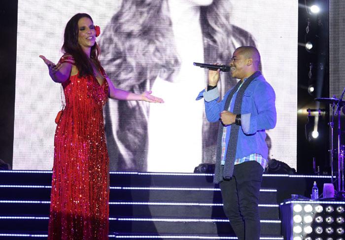 Ivete Sangalo faz dueto com Pedro Lima, ex-The Voice Brasil