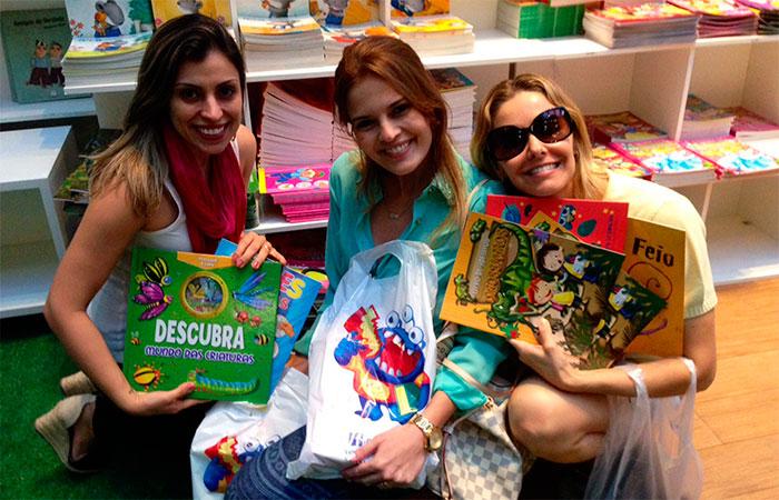 Bianca Rinaldi, Raquel Nunes e Juliana Lucci prestigiam feira de livros no Rio