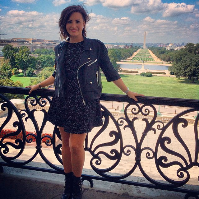 Demi Lovato vai à Washington e pressiona Congresso a aprovar lei de saúde mental