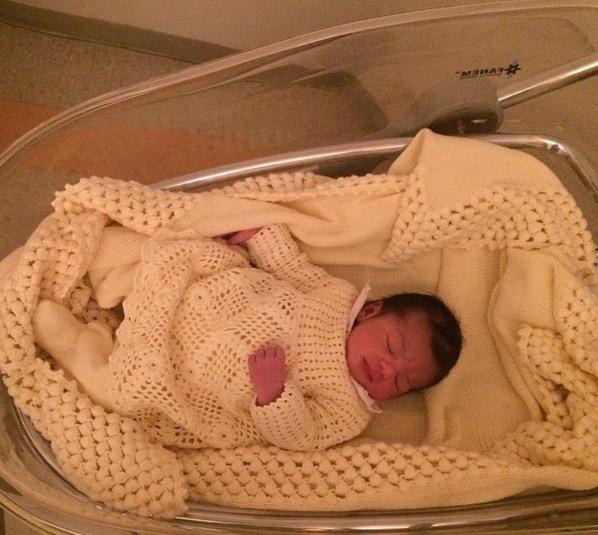 Flávia Noronha dá à luz sua primeira filha, Nina