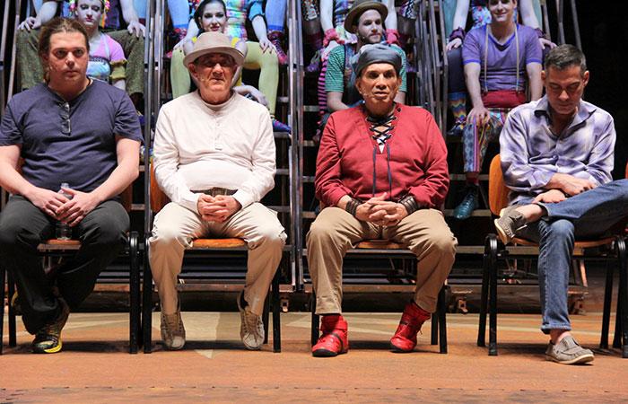 Renato Aragão e Dedé Santana apresentam Os Saltimbancos Trapalhões – O Musical