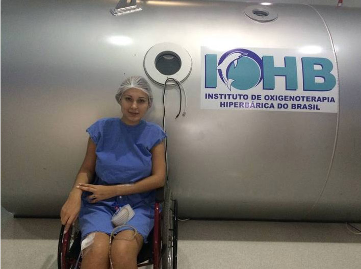 Andressa Urach faz novo tratamento nas pernas. Veja as fotos!