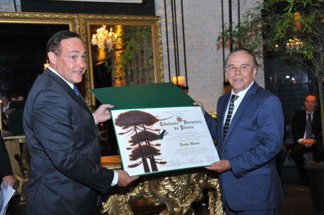 Marido de Val Marchiori é reconhecido Cidadão Honorário do Paraná