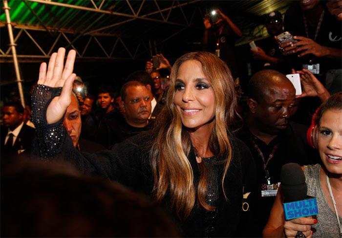 Ivete Sangalo leva multidão ao delírio em Salvador