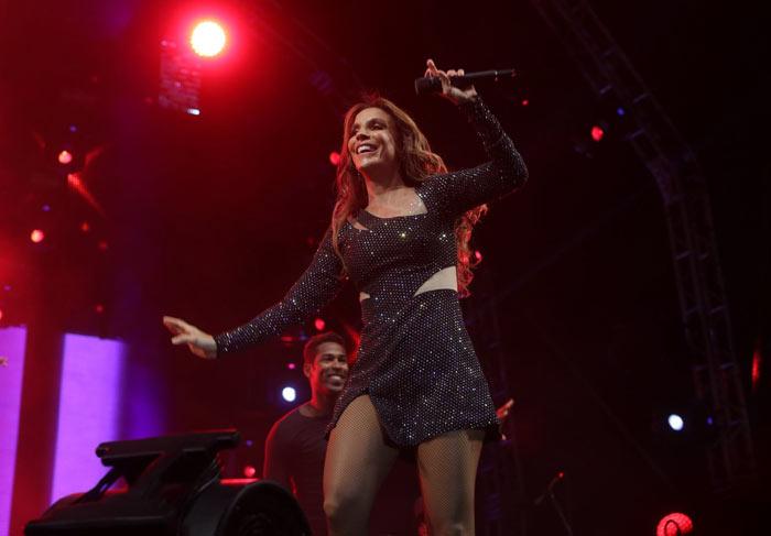 No Planeta Atlântida, Ivete Sangalo dedica show a Anderson Silva 'Vamos derrubar'
