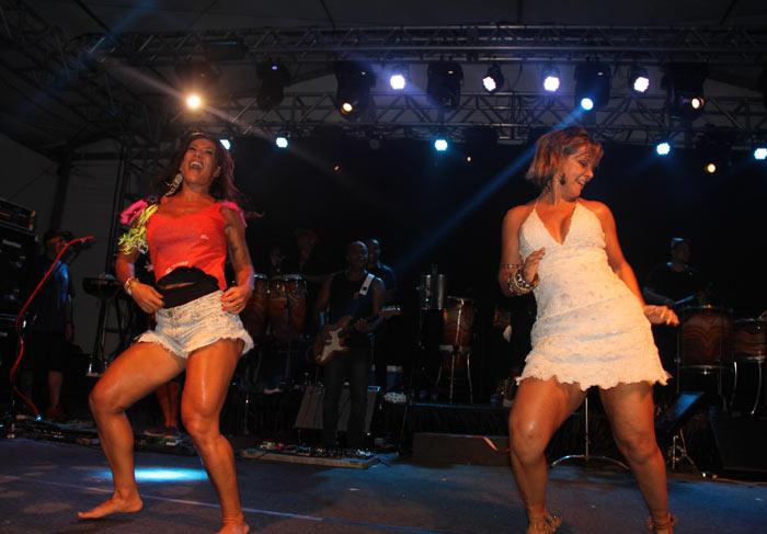 Salvador: Carla Perez e Scheila Carvalho dançam juntas e revivem velhos tempos