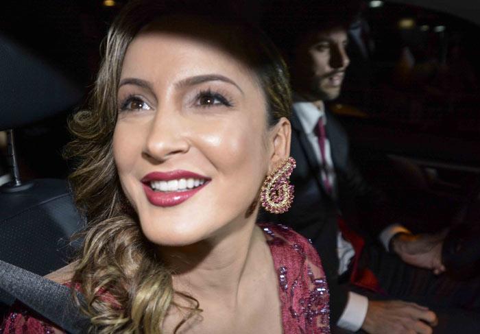 Claudia Leitte e mais convidados chegam à festa de casamento de Fernanda Souza e Thiaguinho