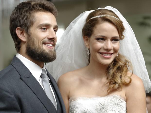 Império: Cristina se casa com Vicente no lugar de Maria Clara,