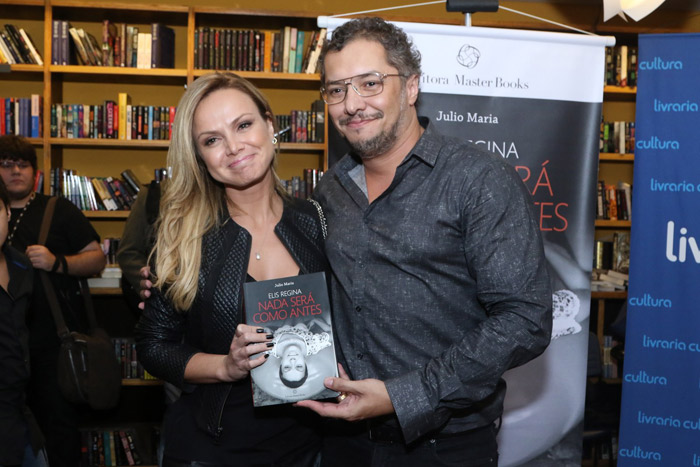 Eliana marca presença em lançamento da biografia de Elis Regina