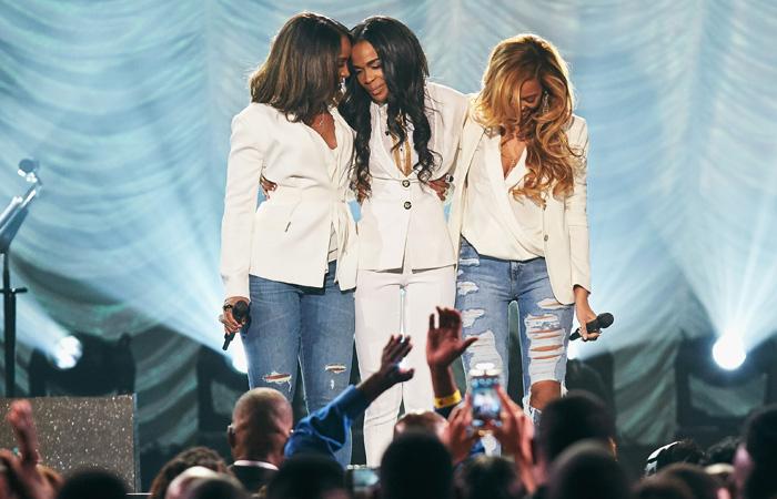 Beyoncé se reúne às Destiny's Child em evento gospel