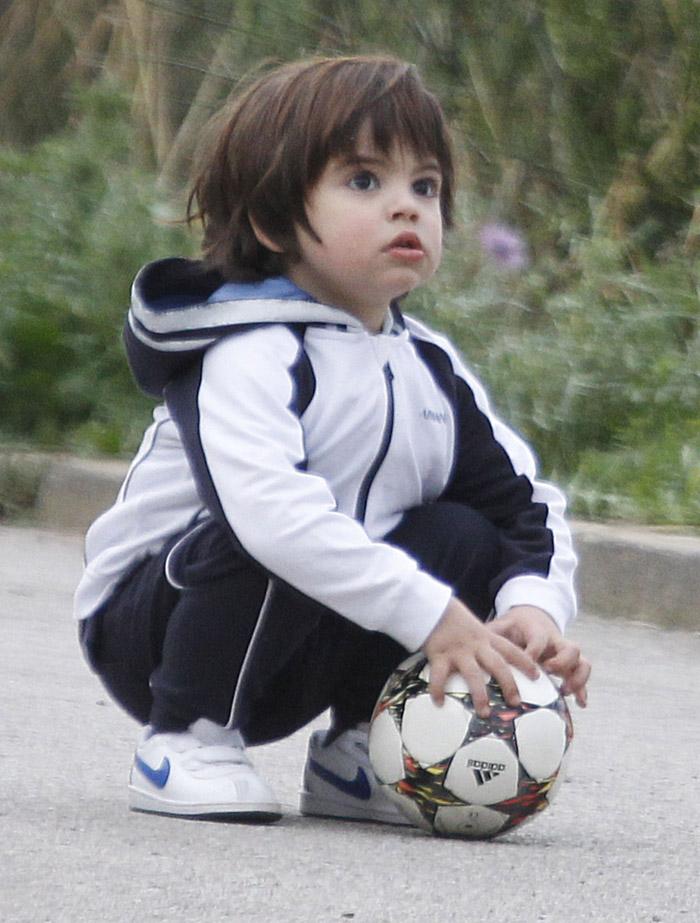 Filho de Shakira mostra qual é seu esporte preferido