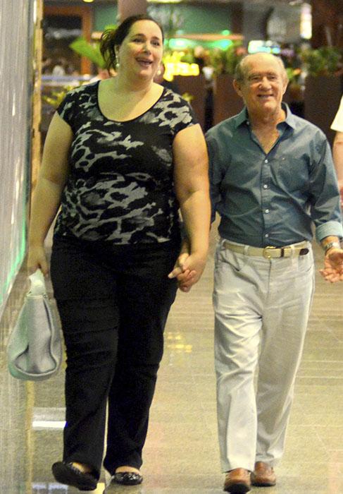 Renato arag o e a esposa passeiam no rio de janeiro ofuxico for Renato portaluppi e casado