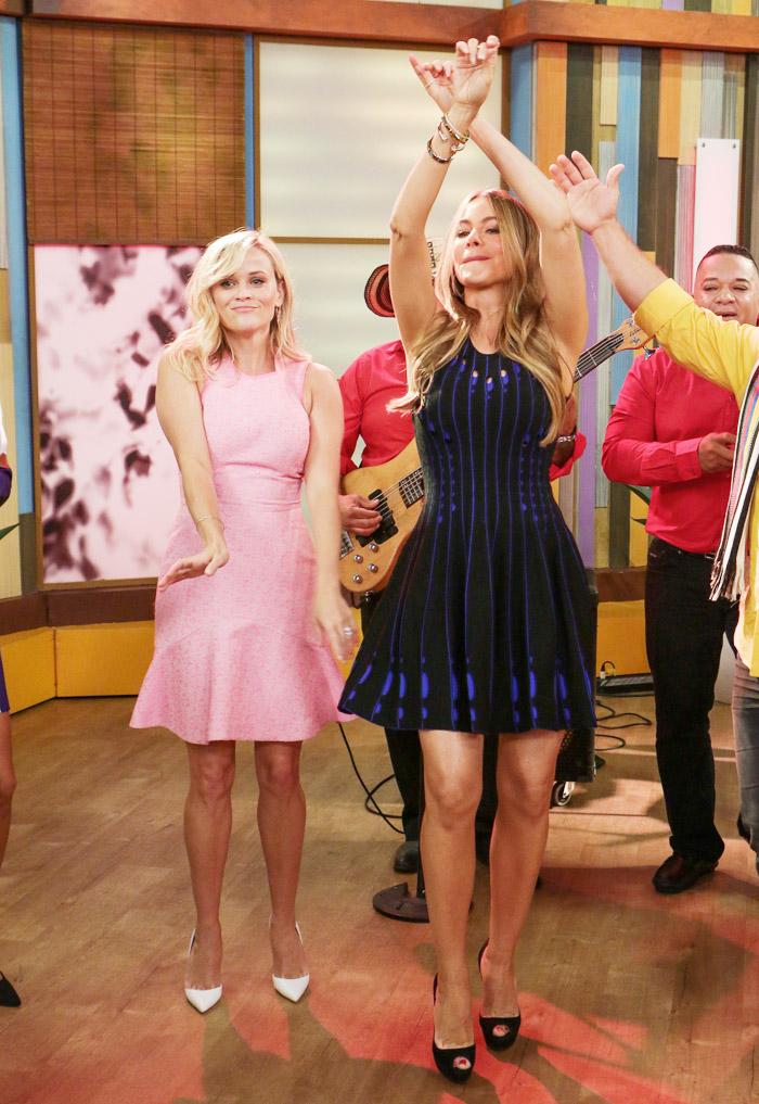 Sofia Vergara e Reese Witherspoon dançam, comem e se divertem no Despierta America