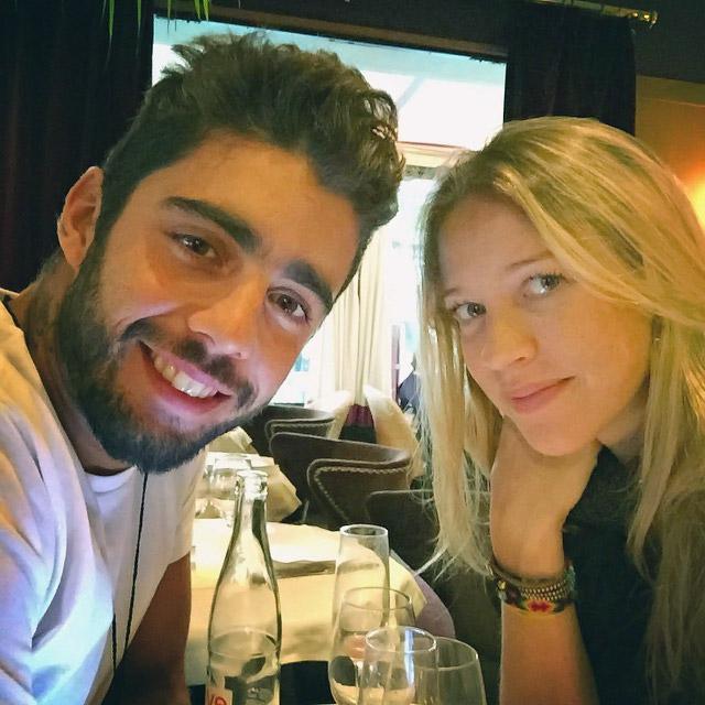 Férias românticas! Luana Piovani encontra o maridão Pedro Scooby em Paris