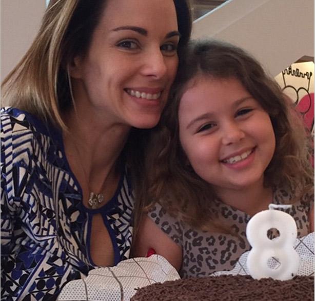 Ana Furtado usa rede social para celebrar o aniversário de oito anos da filha