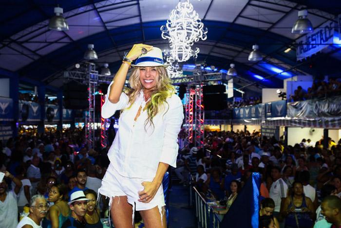 Após quatro anos longe, Adriane Galisteu volta ao Carnaval pela Portela