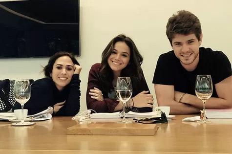 Protagonista em I Love Paraisópolis, Maurício Destri rasga elogios para Bruna Marquezine