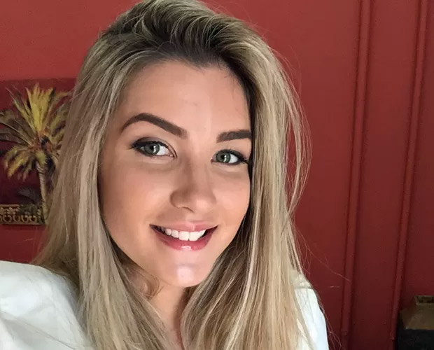 Ex-BBB Aline revela segredo de sobrancelha grossa e dá dica para manter desenho