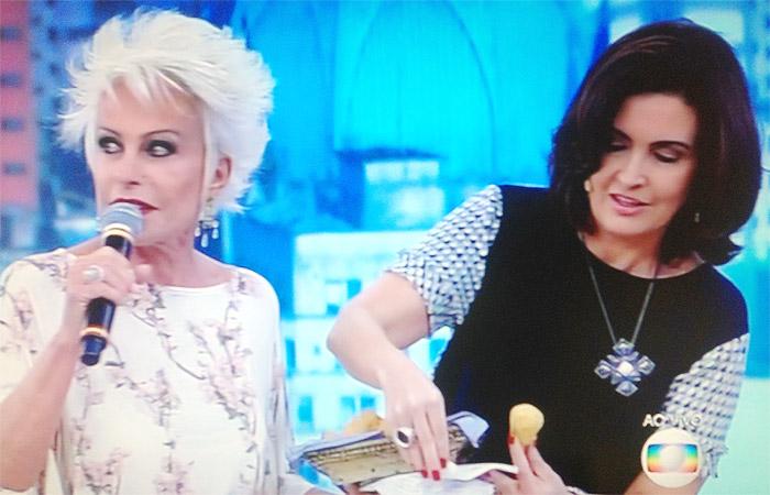 Fátima Bernardes recebe Ana Maria Braga de surpresa no Encontro