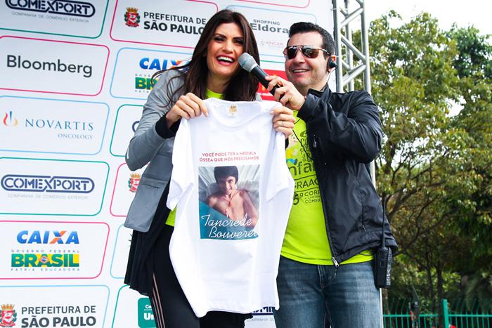 Isabella Fiorentino chora ao apresentar corrida contra o câncer em São Paulo