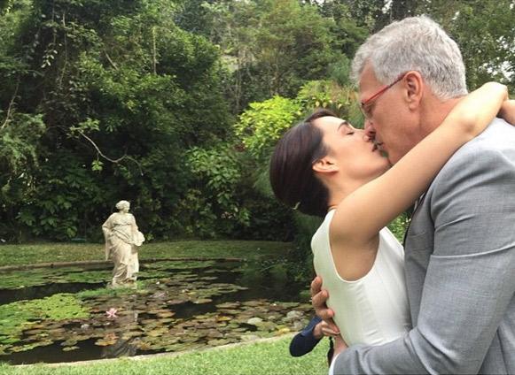 Recém-casada, Maria Prata mostra casamento com Pedro Bial