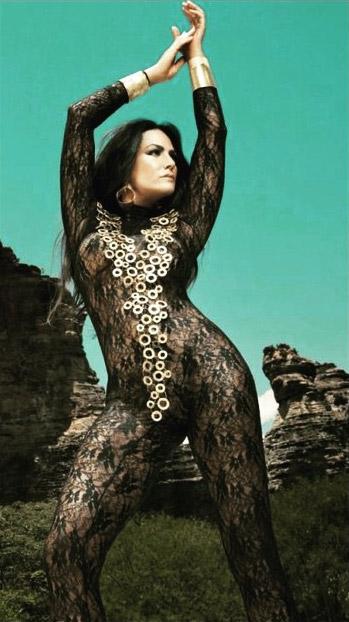 Aos 53 anos, Luiza Brunet mostra que está em ótima forma