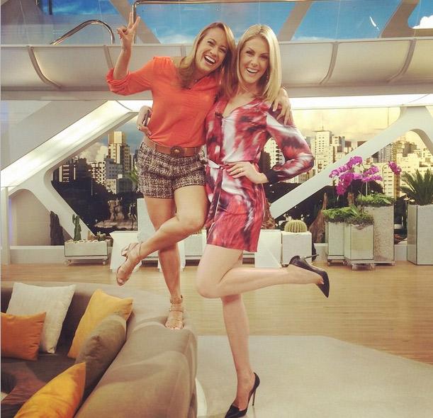 Ana Hickmann e Renata Alves se divertem no Hoje em Dia