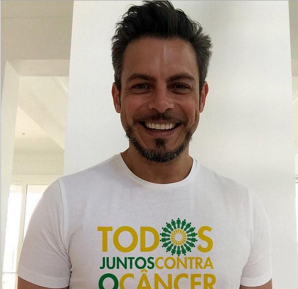 Luigi Baricelli faz campanha contra o câncer