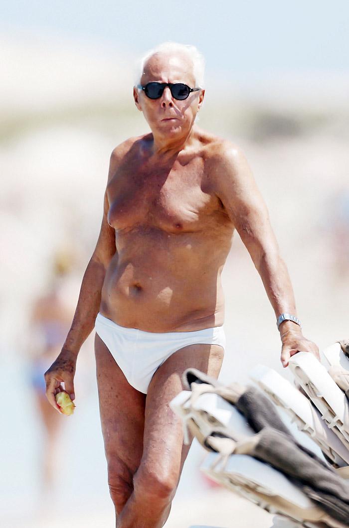Giorgio Armani renova o bronzeado com sunguinha branca
