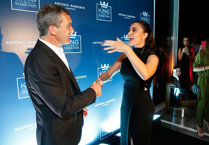 Juliana Paes recepciona Antonio Banderas durante festa no Rio - AgNews