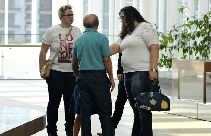 Renato Aragão leva a família para almoçar em shopping do Rio