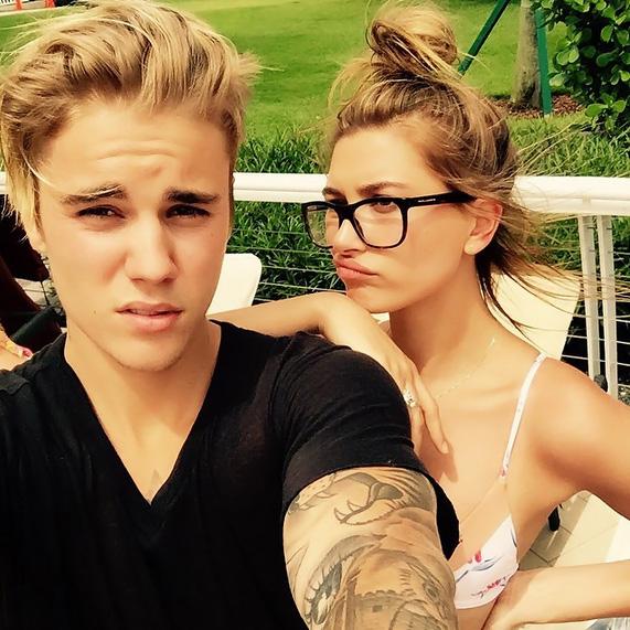 Justin Bieber posa com Hailey Baldwin e a chama de 'a única'