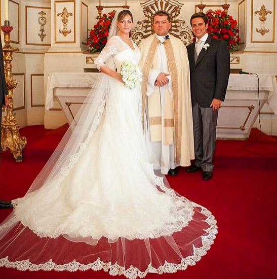 Luma Costa celebra três anos de casada com declaração